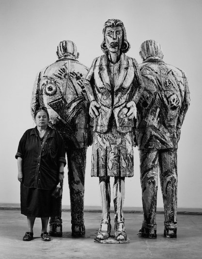 Viola Frey with her sculptures, photo by M. Lee