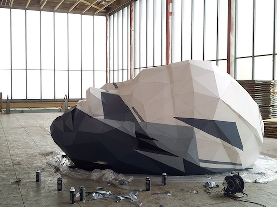 David Mesquich creates large sculptures made of polypropylene (rugged, resistant polymer) sheets or recycled plastic. The often 3 to 4 meters ( 9 to 13 feet) sculptures are placed in public space.