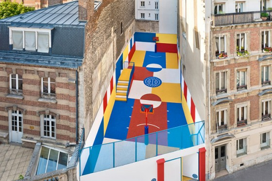 Back in 2009, French fashion brand Pigalle teamed up with Nike to transform a space between two apartment buildings into a basket ball court. Pagalle teamed with Paris-based lll-Studio, who looked to Russian artist Kazimir Malevich (1878 –  1935) for inspiration. Malevich's bold colors can be seen in the finished design of panels of blue, white, red and yellow rubber. It is not only great to look at, but it's also a popular spot for local kids.